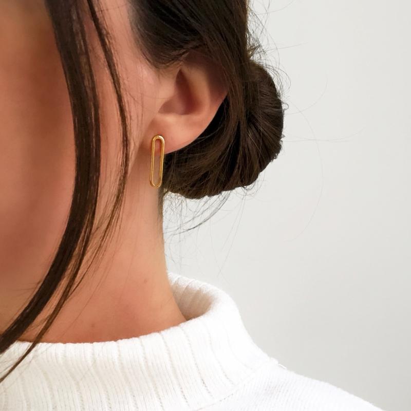 STUD EARRINGS ETERNITY